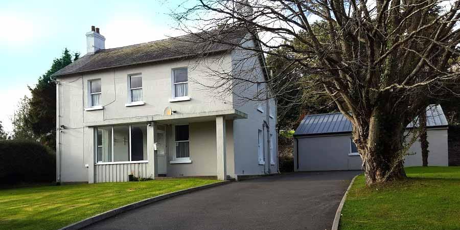 Parish House, Ashford